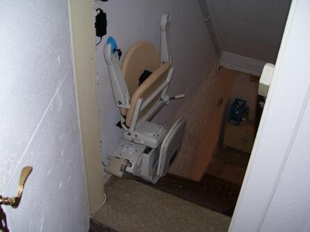 Treppenlift in einen Keller