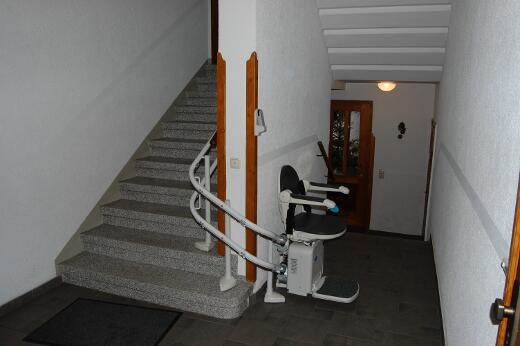 Treppenlift angebracht im Erzgebirge