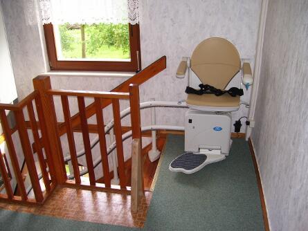 Enge Treppen für Comfort Treppenlifte kein Problem